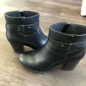 Clark's collection ankle booties
